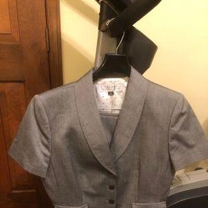 Tahari Women's Gray Skirt Suit Size 10